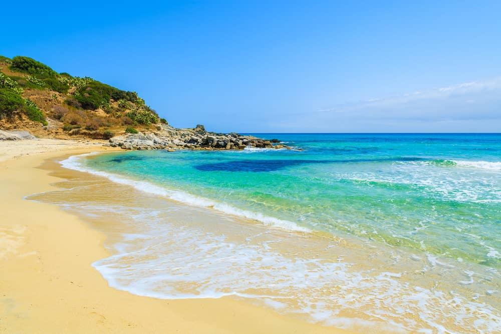 Beach weather in Cala Sinzias, Cagliari, Italy in March